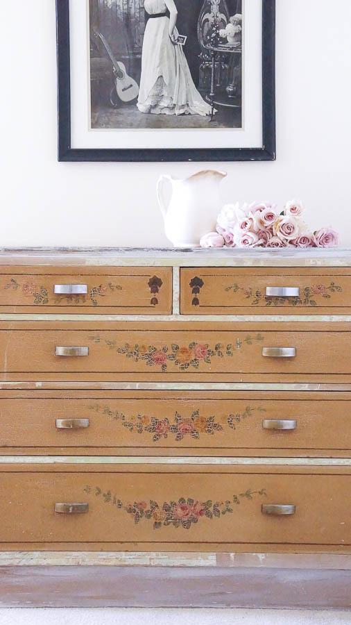Shabby Chic Dresser-10