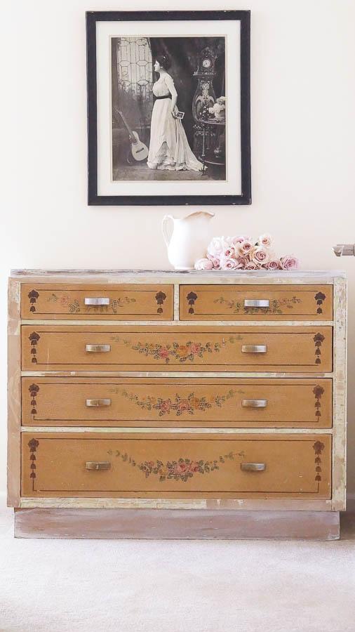 Shabby Chic Dresser-9