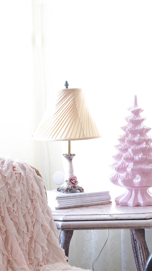 White Lace Cottage Christmas Home Tour-128