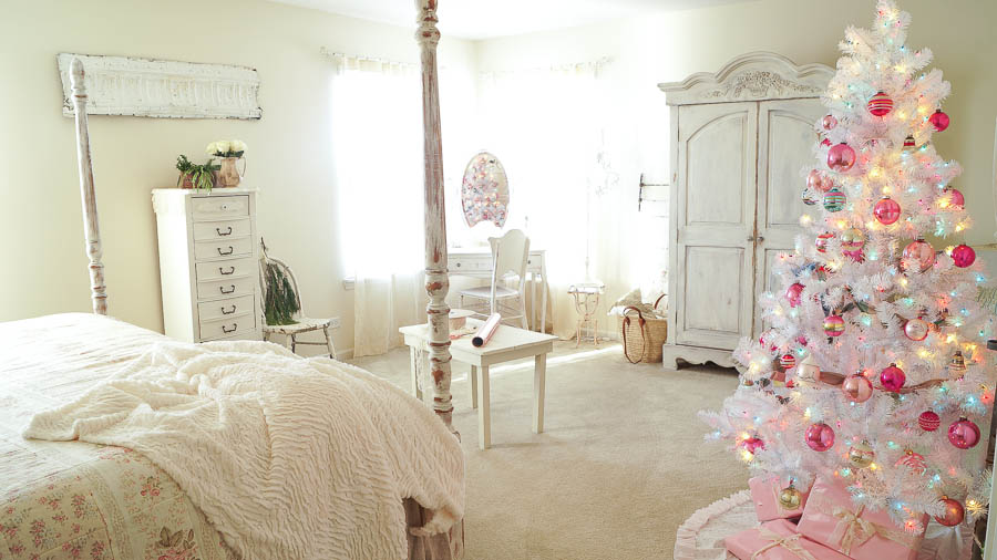 White Lace Cottage Christmas Home Tour-166