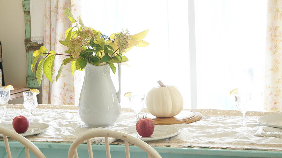 Table Setting Perfect For Fall