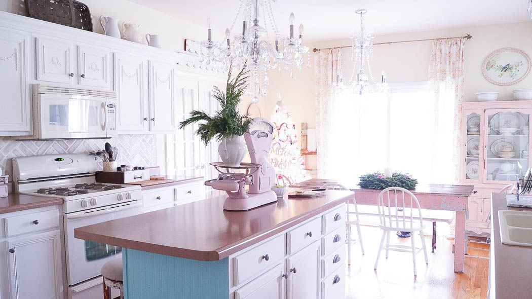 Christmas Decorating Ideas For A Kitchen|White Lace Cottage
