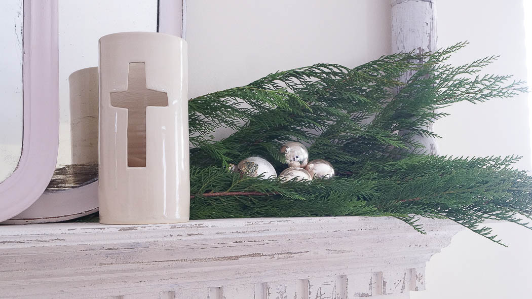 white lace cottage holiday christmas home tour shabby chic-07753