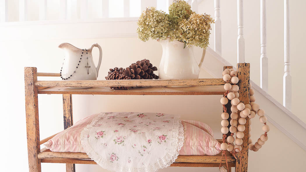white lace cottage holiday christmas home tour shabby chic-08065