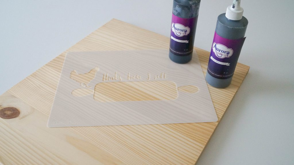 How-To-Make-A-Simple Craft-Using-A-Stencil