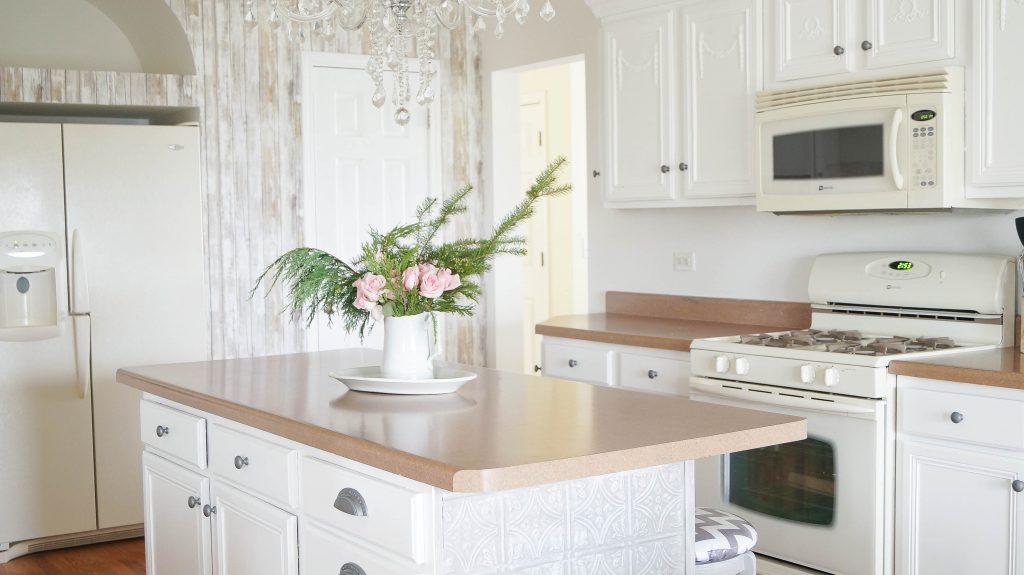 Kitchen Accent Wall accent wall and simple kitchen updates - white lace cottage