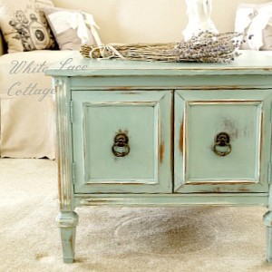 how to disress with chalkpaint