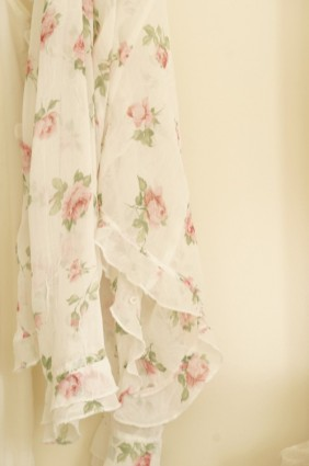 faded roses top