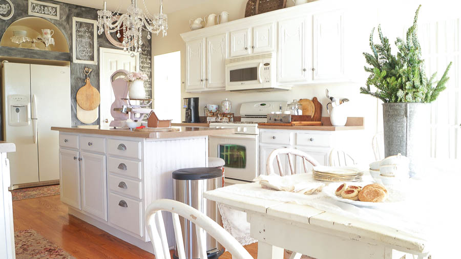 White Lace Cottage Christmas Home Tour-140