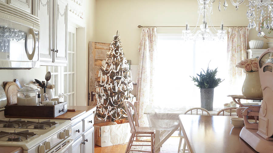 White Lace Cottage Christmas Home Tour-98