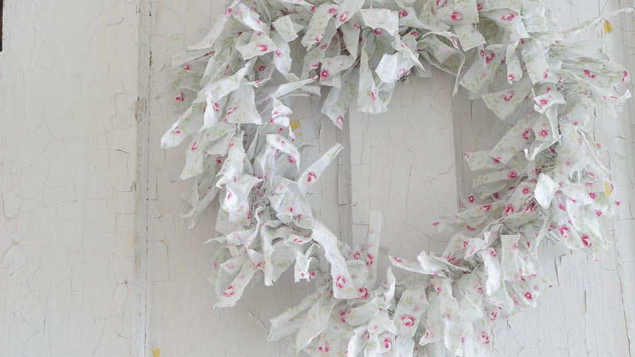 Simple to make Valentine Wreath (9 of 26)