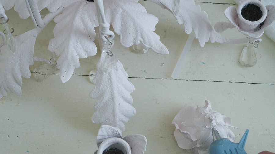 Faux Shabby Chic Tole Chandelier (14 of 47)
