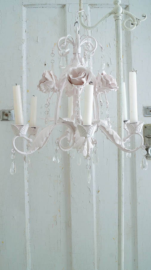 Faux Shabby Chic Tole Chandelier (19 of 47)