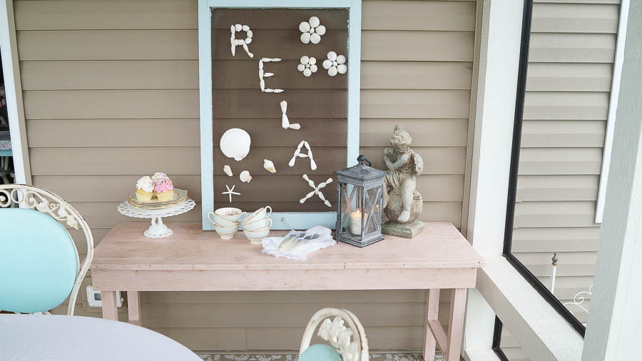 decorating a porch with balsam hill (24 of 89)