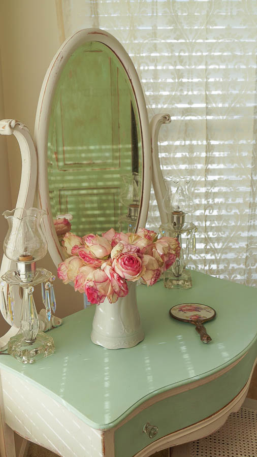 Tremendous Makeup Mirror In My New Girly Room White Lace Cottage Download Free Architecture Designs Jebrpmadebymaigaardcom