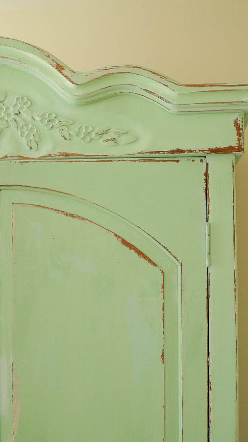 white lace cottage heirloom traditions paint how to add authentic chippy patina to furniture (12 of 33)