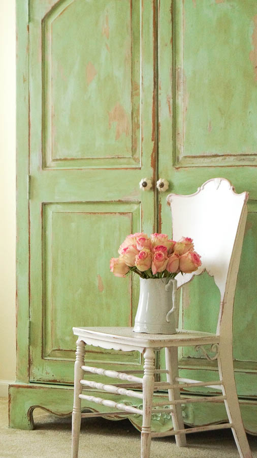white lace cottage heirloom traditions paint how to add authentic chippy patina to furniture (18 of 33)