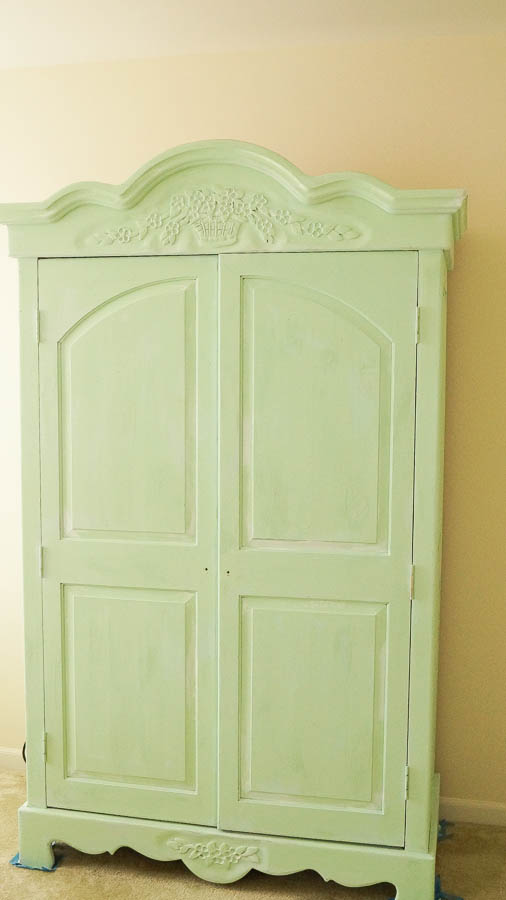 white lace cottage heirloom traditions paint how to add authentic chippy patina to furniture (7 of 33)