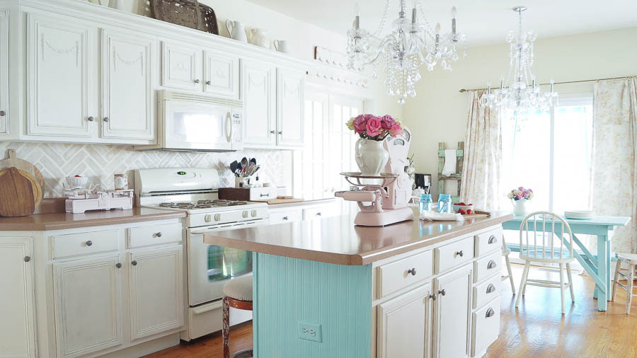 Painting Kitchen Cabinets Is Easy To Do With These Tips.