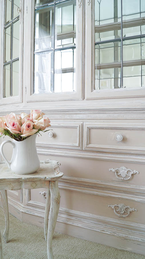 how to update a 1990's china cabinet with chalk paint (40 of 65)