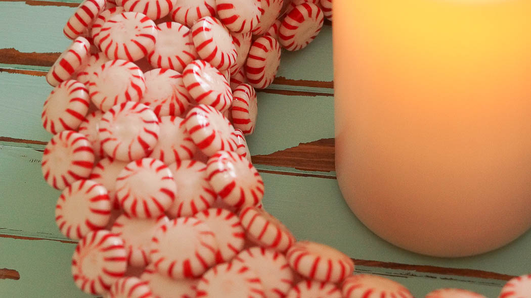 Simple DIY Peppermint Candy Wreath|White Lace Cottage