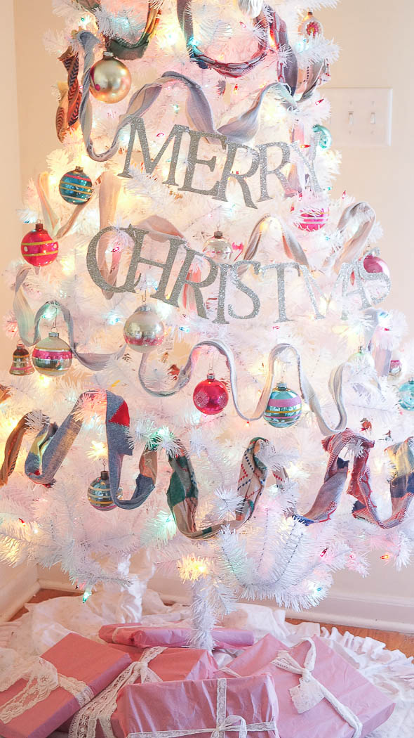 How To Make A Christmas Tree Banner Garland Topper-06835