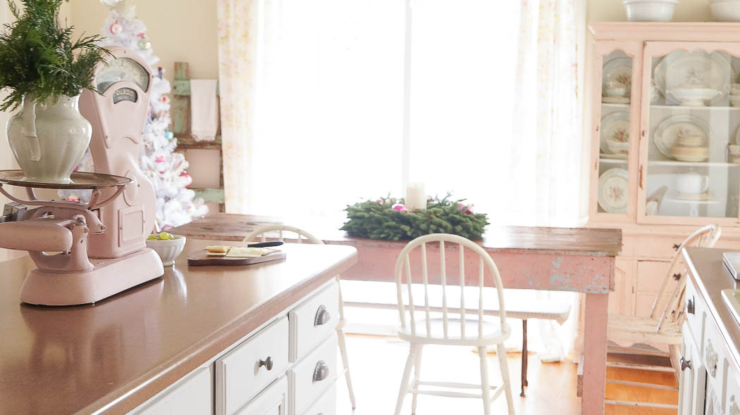 white lace cottage holiday christmas home tour shabby chic-07580