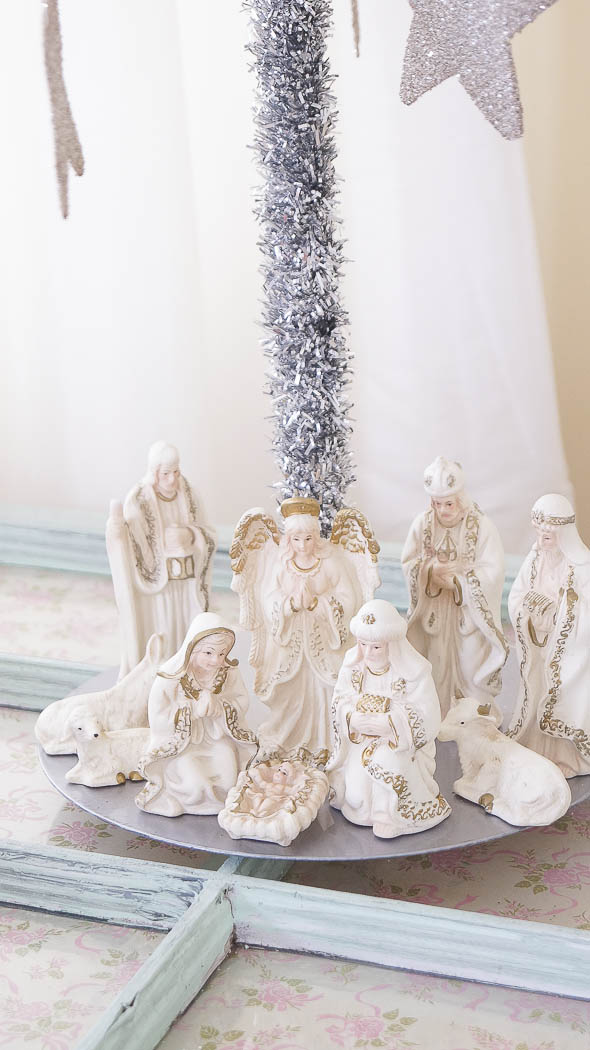 white lace cottage holiday christmas home tour shabby chic-07716