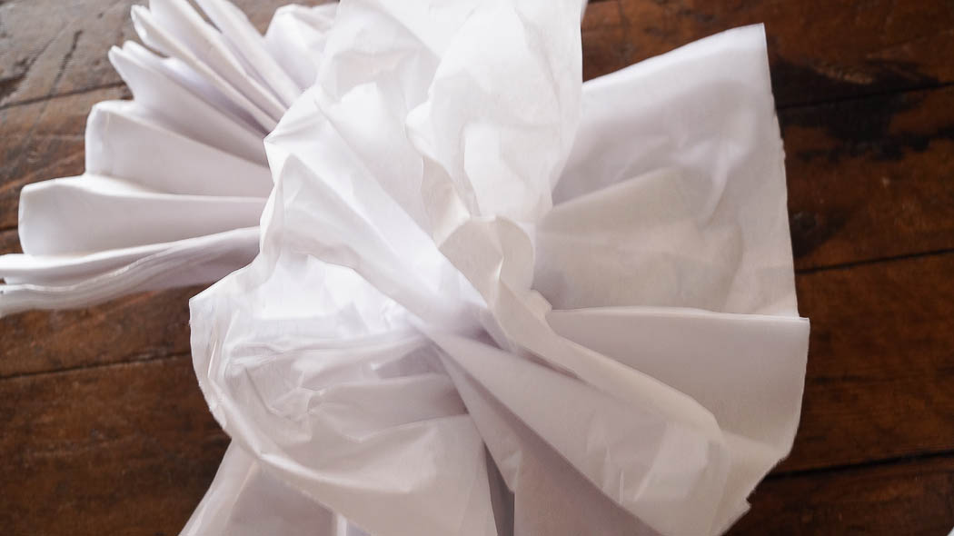 how to make tissue flowers easy