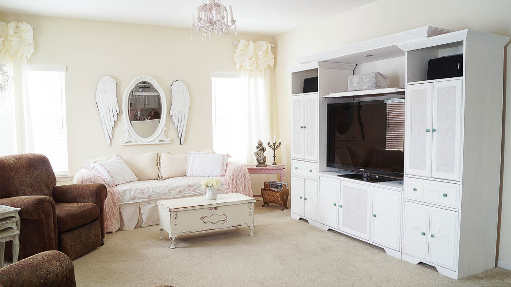 updating an entertainment center using appliques-08743