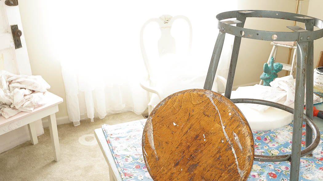 Here's a simple and cheap way of reupholstering a thrift shop stool. This cost me ZERO dollars to do!