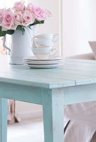 HOW TO CREATE A FAUX PLANK TABLE