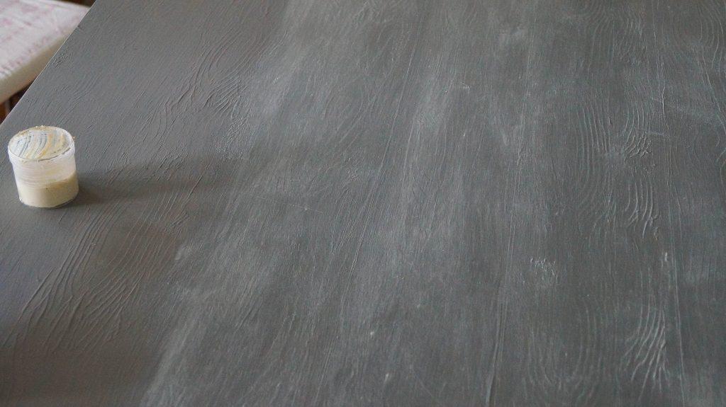 How To Dry Brush Furniture Using Wax